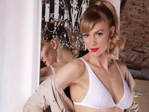 Roxana Ciuhulescu - 6