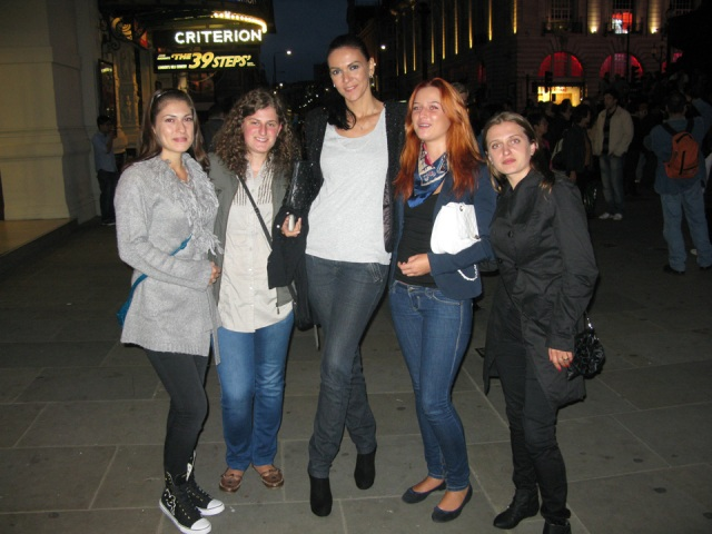 glamour-london_20110921