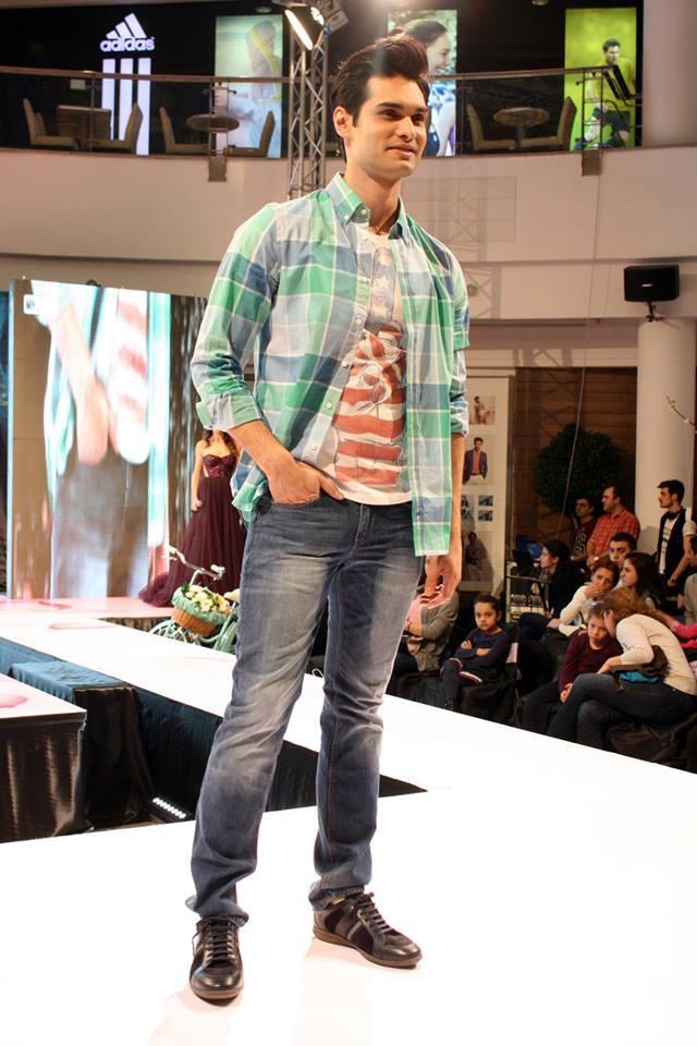 tommy-hilfiger-fashion-show-1